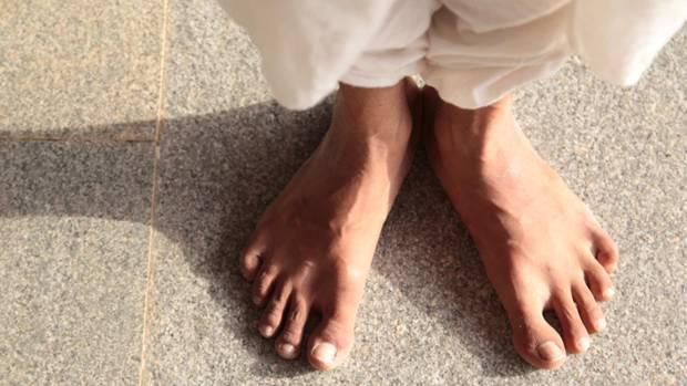 体式纠正—前曲式(Padahastasana)和眼镜蛇式(Bhujangasana)