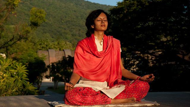 瑜伽可以帮助人们恢复健康(一)