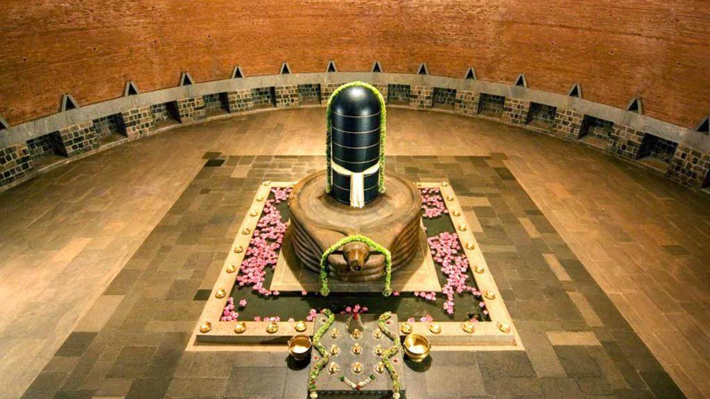 为何冥想是迪阿那灵伽的特性?