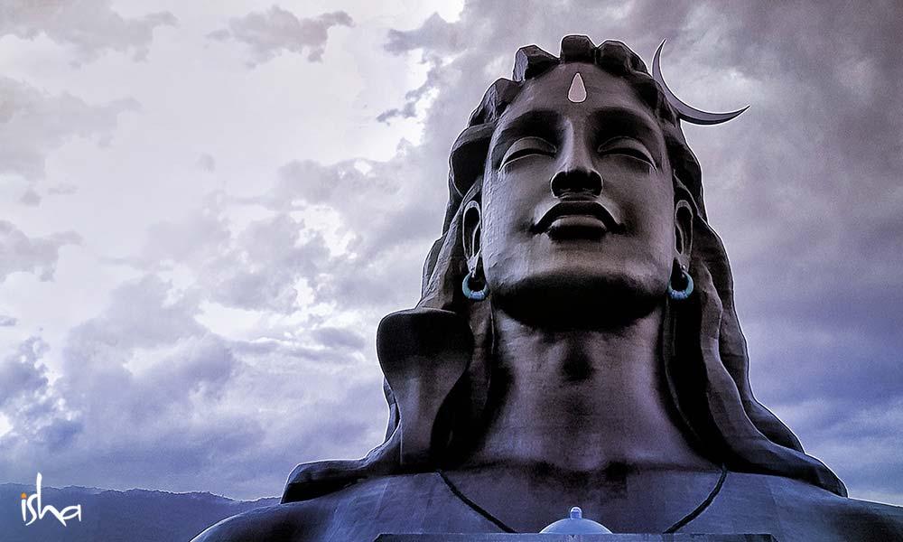 萨古鲁关于Guru Purnima(古鲁满月日)的25句话(一)(7月5日是古鲁满月日)
