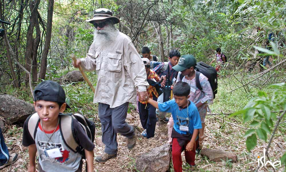 萨古鲁:为什么孩子必须和大自然连接?