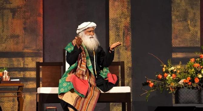 萨古鲁在纽约丨智慧、冥想与喜悦