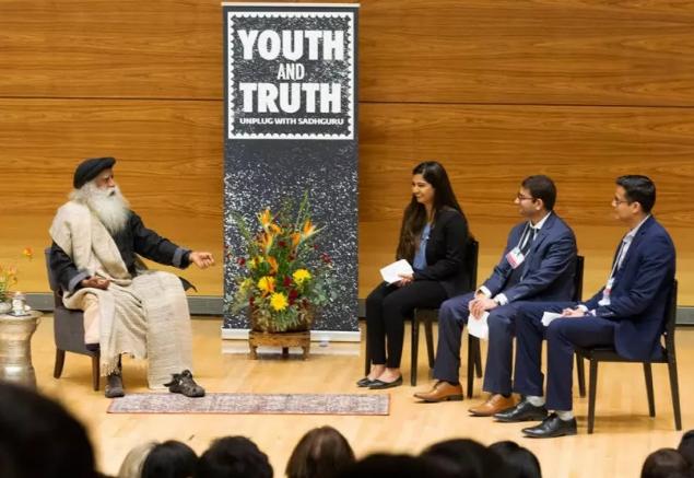 青年与真理活动抵达美国密歇根大学