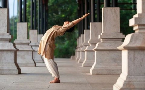 Isha瑜伽:回归纯粹的古典瑜伽科学