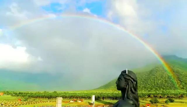 创造的辉煌——Isha瑜伽中心的彩虹