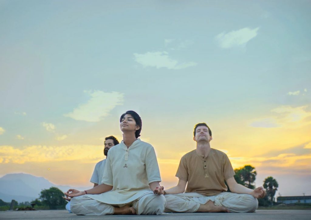 Isha瑜伽线上修习营丨爱与喜悦瑜伽(十一月)