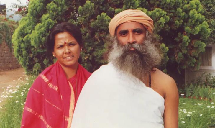 Vijji(萨古鲁的妻子):一个爱与奉献的故事